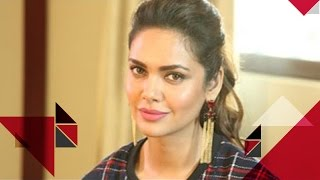 Esha Gupta Sparkles As zoom Star Of The Day