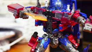 Optimus Prime vs Decepticons stop motion