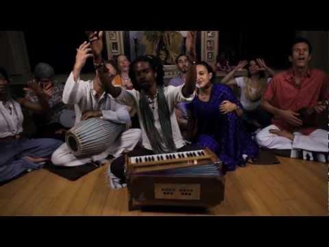 Srikalogy feat. Srikala, Luminahdi, BrandX - Radha Ramana