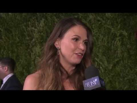 Red Carpet: Sutton Foster (2015)