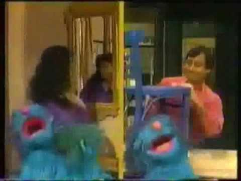 Sesame Street - Brush Brush Boogie