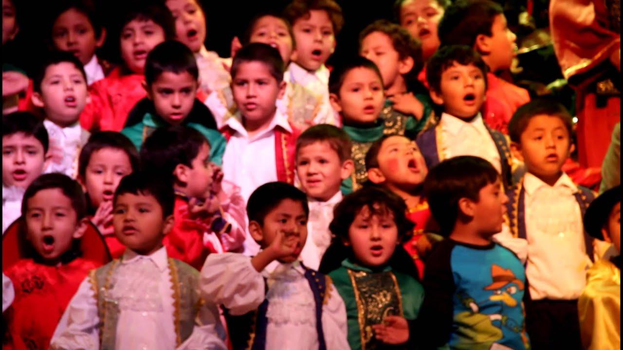 Cantando en el jardin canciones infantiles cantando en for Cancion en el jardin