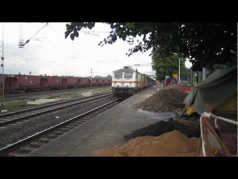 Four Wap-7's In 30 Minutes - Sealdah Raj Chasing Howrah Raj In Both Directions !! video