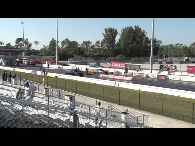 Ford Lighting vs Nissan GT-R Drag Racing 1/4 Mile