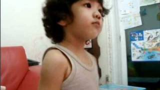 【SHINee Hello Baby Yoogeun】〖101001〗Yoogeun dancing and singing to SHINee