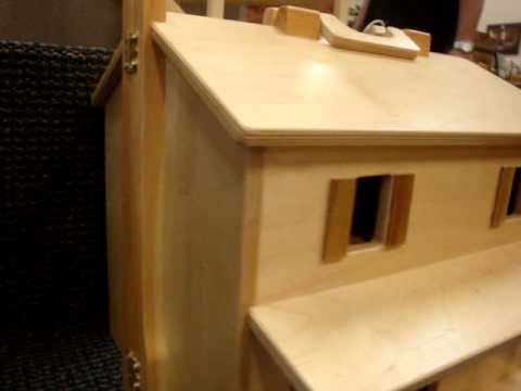 Amish Wooden Folding Dollhouse