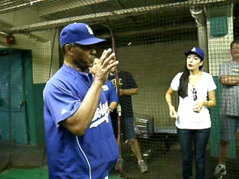 Manny Mota Talking to The