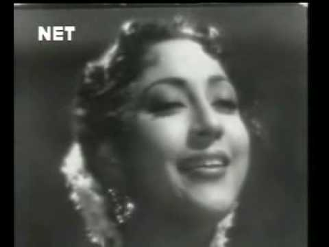 YouTube - Dhire Dhire Chal Chand -- Mohammad Rafi & Lata Mangeshkar...