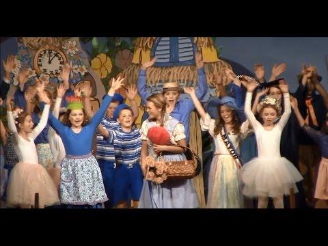 Midview High School Drama Club Presents: The Wizard of Oz