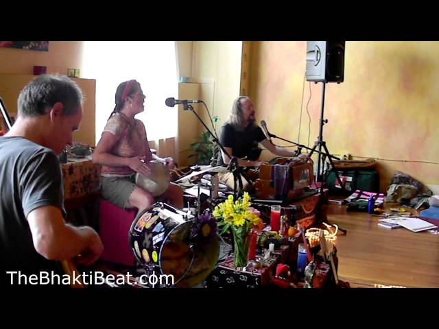 Sean Johnson &amp;WLB, Bhajarange Hanuman, BHAKTImmersion 2013