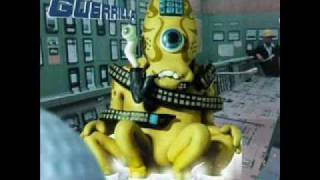 Watch Super Furry Animals Chewing Chewing Gum video