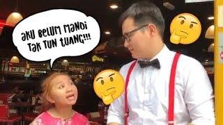Upiak ajar menyanyi Tak Tun Tuang!
