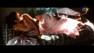 Chitram Movie Songs - Ekanta Vela  - Uday Kiran, Reema Sen