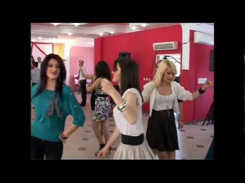 kendon-mehdi-berisha-lati-2011-dasma-e-vajzes-sonë-nga-amerika-në-kosovë-shembull-i-mire