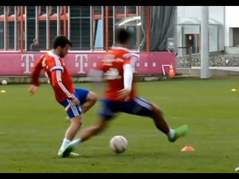 Funny scene - Bernat nutmegs Mehdi Benatia - Bernat tunnelt Benatia eiskalt - FC Bayern Munich