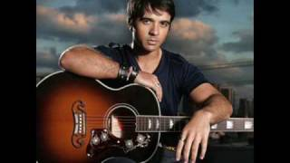 Watch Luis Fonsi Keep My Cool video