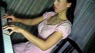 """「螢の草原」 Seiko Matsuda """"Hotaru no sogen"""" on the piano"""