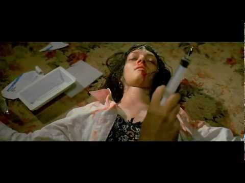 0 Pulp Fiction (3D)   Overdose Needle Scene in optional Analglyph 3D (2)
