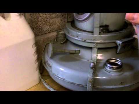 Aladdin Blue Flame 37 Kerosene Heater/Cooker: Installing new wick and Testing