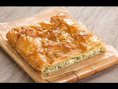 Пирог с луком и яйцом из слоеного теста рецепт пошагово