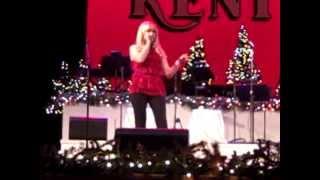 Watch Trisha Yearwood Take A Walk Through Bethlehem video