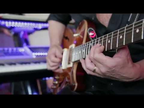 Steve Stevens Plays The Supro 1624t Dual-tone Reissue - Classic Rock Tone Solo Guitar video