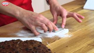 How to make MINI CHRISTMAS CAKES with Ruth Clemens | Recipe