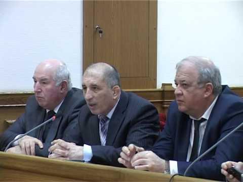 В зале администрации состоялось совещание по проведению Эстафеты Олимпийского огня в Дагестане
