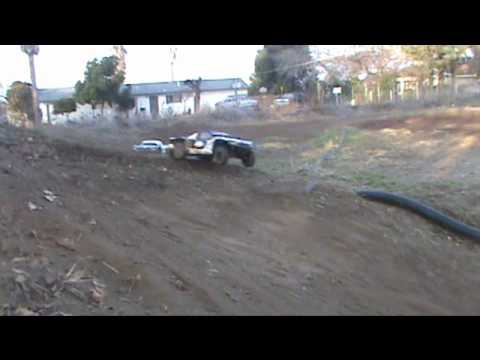 LOSI 5IVE-T ripping it up