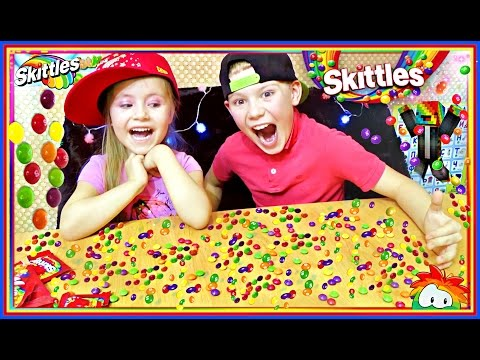 🔴THE SKITTLES #CHALLENG Челендж Скитлс  🔴🔵🎾😃  Kid Candy Review Kids #Family Fun 🔵  Russia
