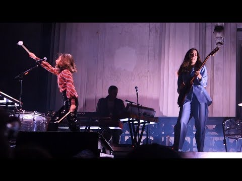 Haim - My Song 5 – Live in Berkeley
