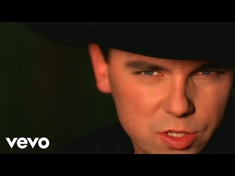 Kenny Chesney - She Always Says it First