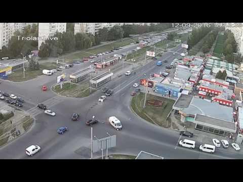 ДТП на перекрестке ул. Академика Павлова — ул. Валентиновская (12-09-2016)