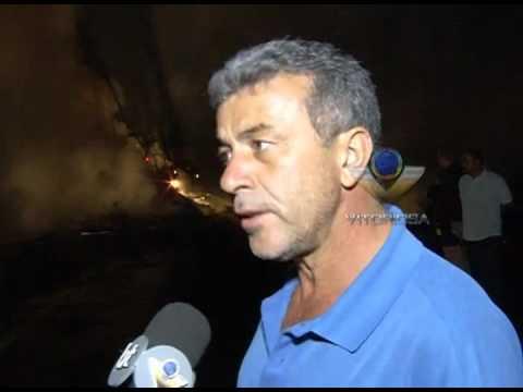 Motorista morre em explosão de carretas na BR-153