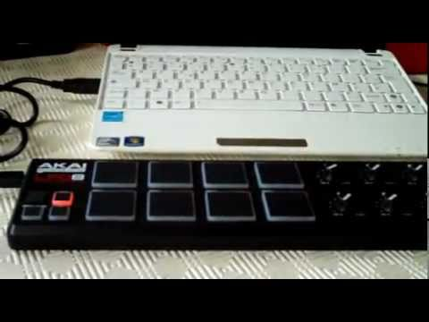 Hydrogen drum machine with Akai LPD8 USB/MIDI pad