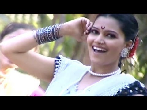 Hyo Porga Mazhyavar Martoy - Marathi Koli Song video