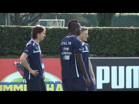 Mario Balotelli im Formtief! Riccardo: Montolivo: