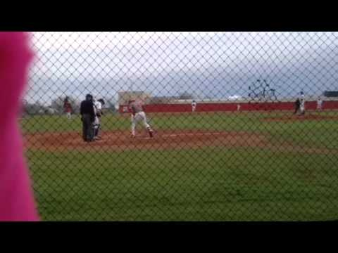Jean ortiz connect anotaré home run for the bacone College