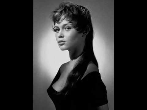 Brigitte Bardot - Moi Je Joue
