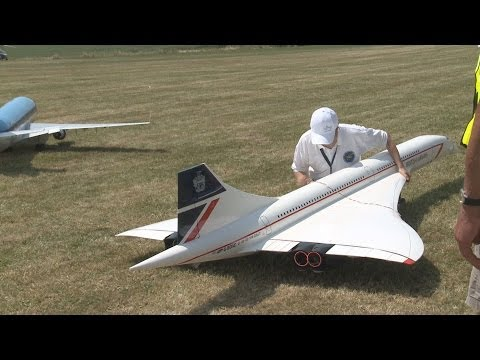 Giant Huge RC Concorde Plane 2 Turbines Power UNBELIEVABLE