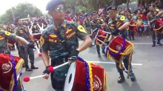 Parade Bunga Surabaya 2017 #DrumBand TNI Song: Jamrud - Selamat Ulang Tahun