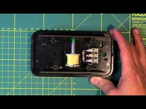 Cómo funciona un timbre eléctrico.