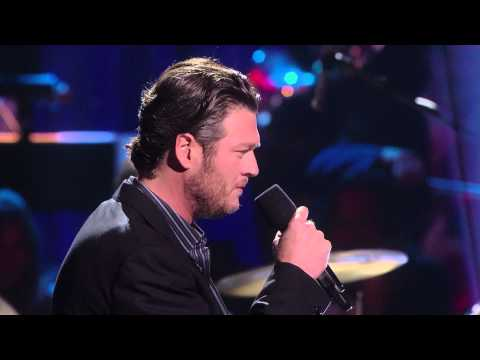 Blake Shelton's Not-So-Family Christmas – There's A New Kid In Town