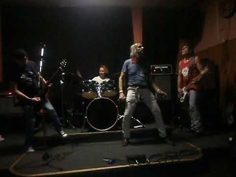 Az Anxius együttes koncertje a Vezérben - vendég: CARAT