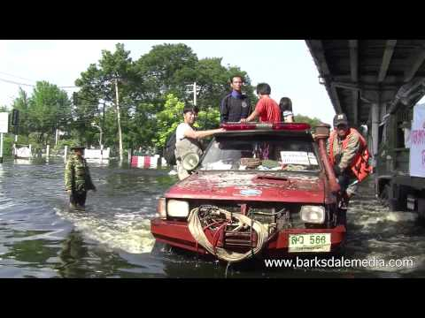 Bangkok, Thailand Flood Emergency, November 10, 2011 PART 2