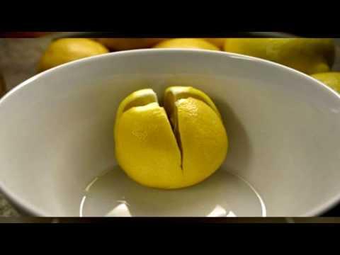 Разрежьте лимон и держите его в вашей спальне!
