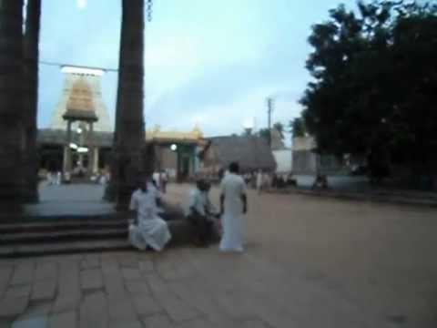 MOV00806.AVIThe entrance to Varadharaja Perumal temple at Kanchipuram