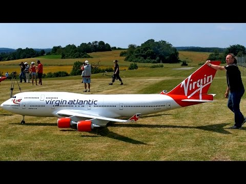 BOEING 747-400 VIRGIN ATLANTIC GIGANTIC RC AIRLINER MODEL JET FLIGHT / Airliner Meeting Airshow 2015