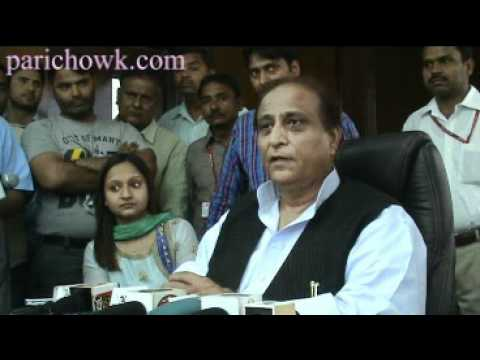 Uttar Pradesh  Minister  Shri Azam Khan addressing press conference  at NIET in Greater Noida on 28Apr12