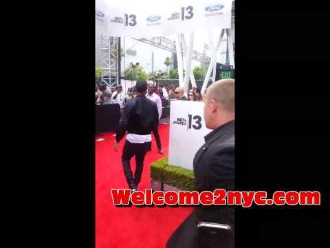 Chris Brown Bet Awards 2013 Red Carpet Entrance